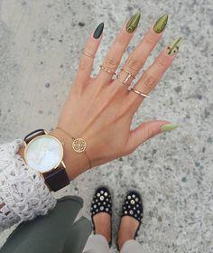🍐⌚Pistacjowo - Oliwkowo 😋⌚🍐🍡🗺 #pistacjowe #oliwkowe #paznokcie #zielone #zielonepaznokcie #green #nails #olivenails #olive #khaki #clock ⌚…