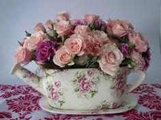 Imagini pentru arreglos florales vintage en canastas san valentin