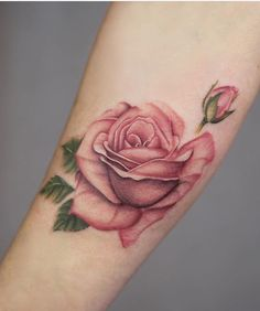 Rose tattoos for women, girly tattoos, flower tattoos, foot tattoos girls. Tattoos Skull, Foot Tattoos, Body Art Tattoos, Small Tattoos, Sleeve Tattoos, Tatoos, Girly Tattoos, Tattoo Drawings, Pink Rose Tattoos