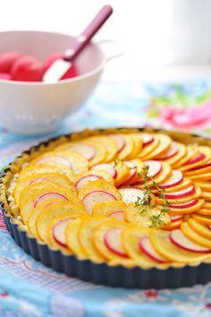 Une tarte aux radis & aux courgettes