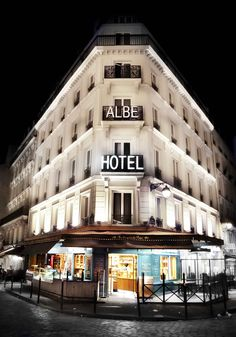 Photos of Paris at Night>>>Paris is beautiful all the time but it really glows at night don't you think?