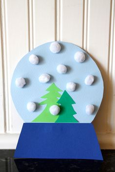 Easy Christmas craft: Pom Pom Snow Globe