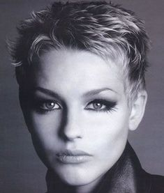 "How to style the Pixie cut? Despite what we think of short cuts , it is possible to play with his hair and to style his Pixie cut as he pleases. For a hairstyle with a ""so chic"" and pointed… Continue Reading → Very Short Pixie Cuts, Very Short Hair, Short Pixie Haircuts, Pixie Hairstyles, Cool Hairstyles, Hairstyle Ideas, Hairstyle Short, Super Short Pixie, Shaggy Pixie"