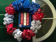 patriotic wreath, of july wreath, patriotic crafts, july crafts, summer Patriotic Wreath, Patriotic Crafts, 4th Of July Wreath, Wreath Crafts, Diy Wreath, Wreath Ideas, Wreath Bows, Fabric Wreath, Diy Crafts