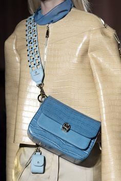 Aigner at Milan Fashion Week Spring 2020 - Details Runway Photos Unique Handbags, Popular Handbags, Cheap Handbags, Cheap Bags, Luxury Handbags, Fashion Handbags, Purses And Handbags, Fashion Bags, Leather Handbags