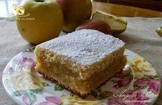 Prajitura cu mere Romanian Food, Romanian Recipes, Cake Cookies, Allrecipes, Cornbread, Banana Bread, French Toast, Bakery, Good Food