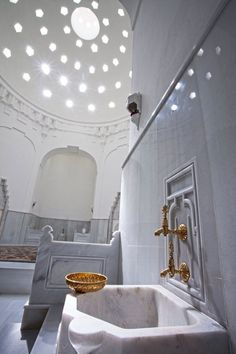 Hamam or Turkish Baths in Turkey Hamam or Turkish Bath is an important part of the Turkish culture heavily used since the Ottoman period There are large number of hamams available especially in Istanbul that you can visit Turkish Architecture, Cultural Architecture, Moroccan Hammam, Inflatable Hot Tub Reviews, Portable Sauna, Turkish Bath, Bathroom Spa, Istanbul Turkey, Interior Exterior