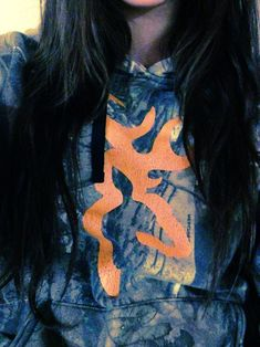 I really wanna find a shirt/sweatshirt like this with the logo being orange against the camo