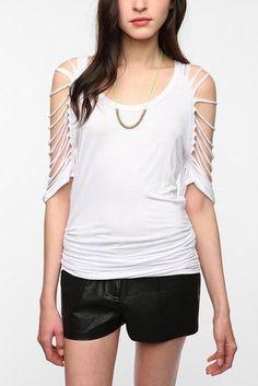 Coco ????: DIY T- Shirt Redesign | http://doityourselfcollections.blogspot.com