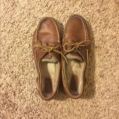 Top-Sider Sperry's Genuine Sperry shoes! Size 7.5. Obviously been worn but still in awesome shape! Sperry Top-Sider Shoes Flats & Loafers