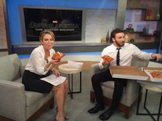Chris Evans eating pizza on GMA. I just have to pin this
