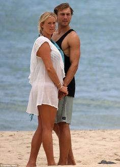 Famous Surfers, Pro Surfers, Photo Poses For Couples, Couple Posing, All Need Is Love, Bethany Hamilton, Professional Surfers, Soul Surfer