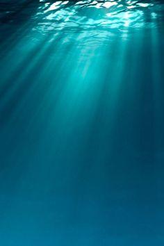 Zonnestralen onder water