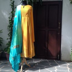 Colors & Crafts Boutique™ offers unique apparel and jewelry to women who value versatility, style and comfort. For inquiries: Call/Text/Whatsapp Abaya Fashion, India Fashion, Asian Fashion, Salwar Designs, Blouse Designs, Indian Attire, Indian Wear, Pakistani Outfits, Indian Outfits