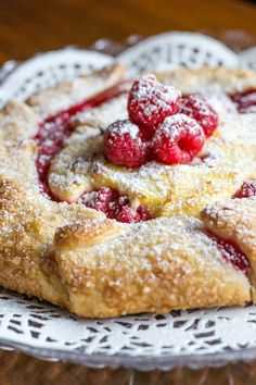 Raspberry Cheesecake Galette - What the Forks for Dinner? Raspberry Desserts, Raspberry Cheesecake, Cheesecake Recipes, Just Desserts, Delicious Desserts, Oreo Cheesecake, Gallete Recipe, Crostata Recipe, Pastry Recipes