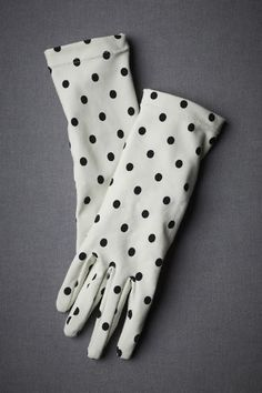 Black and polka vintage gloves that you know you can show off in! So get them already!