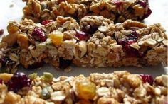 Is it possible to not like a granola bar? Granola or granola bars are definitely some of the most addicting snacks! Breakfast Recipes, Dessert Recipes, Granola Bars, Oat Bars, Rice Krispie Treats, Greek Recipes, Vegan Recipes, Just Desserts, Food Inspiration