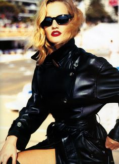 "Karen Mulder in ""Fashion Festival"" by Arthur Elgort for Vogue Germany August 1994 Vintage Vogue, Vintage Fashion, Vintage Glamour, Arthur Elgort, Pose, World Most Beautiful Woman, 90s Models, Helena Christensen, Linda Evangelista"
