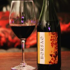 """Notch up another for our #bargainhunting <$15 #wineassignment. A #Borsao #Seleccion $12. Sold to me a """"#Grenache Blend"""" which actually means a blend of Grenache #Tempranillo and #Syrah. Starts out with that leathery Grenache aroma on the nose which is a bit off putting. The taste starts promising with cherry flavour and pleasant smooth tannins but leaves you with a savoury barnyard funkiness of the Grenache coming back to bite you. Like a librarian with a kinky side it starts pleasant enough…"""