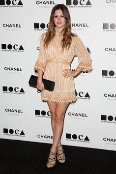 El look de Rachel Bilson: Vestido de Chanel Resort y sandalias de Camila Skovgaard