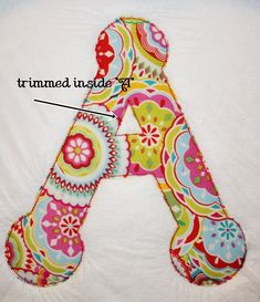 Embroidery Designs Applique on a towel---good hint about trimming the solvy topper Machine Applique Designs, Machine Embroidery Applique, Applique Patterns, Fabric Crafts, Sewing Crafts, Sewing Projects, Sewing Hacks, Applique Towels, Embroidered Towels