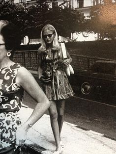 Diane Sawyer in the 60s. How cute is that dress?