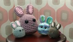 What a happy bunny family! free crochet pattern