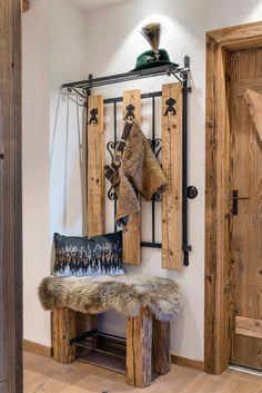 White Wooden Doors, Internal Wooden Doors, Wooden Front Doors, Chalet Interior, Interior Design Living Room, Living Room Designs, Interior Decorating, Diy Fireplace, Modern Fireplace
