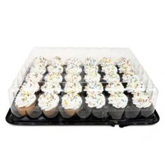 Member's Mark White and Chocolate Cupcakes ct. Mini Chocolate Chip Muffins, White Chocolate Cupcakes, Whipped Icing, Vanilla Icing, Pizza Party, Yummy Treats, Sprinkles, Sweet Tooth, Sam's Club