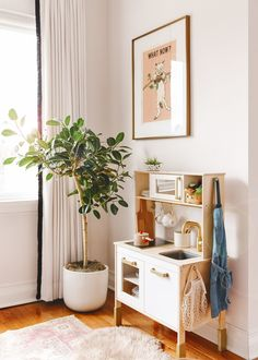 All about our Ficus Audrey and the steps we follow so that she thrives! Family Room Playroom, Thanks For The Tip, Playrooms, Ficus, Second Floor, Home Office, Home Goods, Brick, Corner