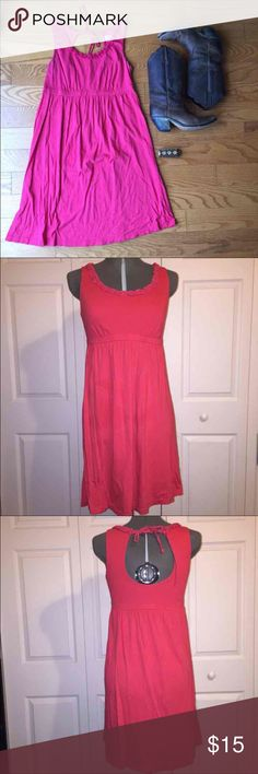 Ann Taylor LOFT dress Perfect summer dress! Size Small No flaws Cute open back design Knee length Bought from another seller but didn't work out for me. My loss your gain! Ann Taylor Dresses Midi