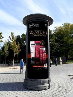 MUPI-Columna comunicando el lanzamiento de la nueva línea 7 DIAS LISO. 2014. Unilever