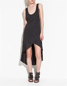 Vestido tail hem de Zara