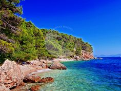 Makarska Riviera Beaches is best beach info guide in Dalmatia, Croatia. Get all information, book holiday vacation private accommodation apartments rentals in Brela,… Riviera Beach, Rental Apartments, Croatia, Beaches, Paths, Vacation, City, Nature, Outdoor