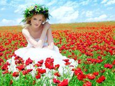 . Laura Hernandez, Illusion, Summer Beauty, Natural Cosmetics, Four Seasons, Flower Power, Poppies, One Shoulder Wedding Dress, Dream Wedding