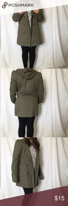 Roxy coat Super cute and comfy green roxy coat with hood. Size large but in my experience roxy coats run a tad small. No stains. In great condition Roxy Jackets & Coats Pea Coats