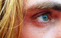 Look beyond your eyes.   http://www.wordgiftbook.com/importance-eye-contact-looking-people/