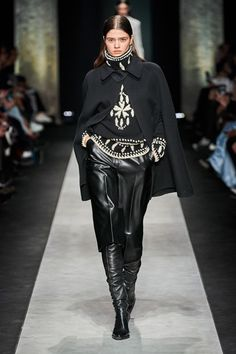 Ermanno Scervino Fall 2020 Ready-to-Wear Fashion Show - Vogue Fashion Week, Fashion 2020, Runway Fashion, Fashion Brands, Daily Fashion, Street Fashion, Modest Fashion, Fashion Outfits, Ermanno Scervino