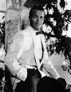 I think the crowning moment in my career as a performance poet was when I shared the stage with Mr.Harry Belafonte at eh anniversary to the march on Washington. Vintage Hollywood, Classic Hollywood, Hollywood Glamour, My Black Is Beautiful, Beautiful Men, Beautiful People, Harry Belafonte, Vintage Black Glamour, Black Actors