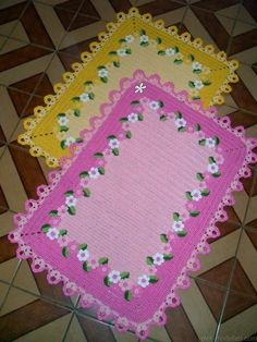 This post was discovered by Mar - Salvabrani Crochet Placemats, Crochet Doilies, Crochet Flowers, Crochet Bedspread Pattern, Baby Blanket Crochet, Puff Stitch Crochet, Crochet Stitches, Crochet Designs, Crochet Patterns