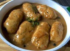 Roladki z kurczaka w sosie sojowym Roladki drobiowe kryjące w swym wnętrzu serek śmietankowy z bazylią i wędzonym boczkiem oraz zanurzone w aromatycznym sosie to pyszne danie obiadowe, które wspaniale sprawdzi się zarówno na co dzień jak i od święta. Polecam!   Składniki: 3 filety z kurczaka – pojedyncze ok. 7 łyżeczek serka śmietankowego … Lunch Recipes, Dinner Recipes, Cooking Recipes, Healthy Recipes, European Dishes, Good Food, Yummy Food, My Favorite Food, Food To Make