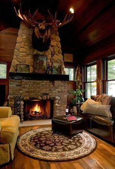 Rustic Living Room Check out that moose! Log Cabin Living, Log Cabin Homes, Log Cabins, Trophy Rooms, Cabin Interiors, Lodge Style, Rustic Cottage, Cabins And Cottages, Le Far West