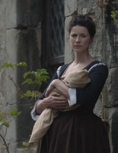 """Claire Fraser (Caitriona Balfe) in """"The Watch"""" of Outlander on Starz via http://outlander-online.com/2015/05/03/1370-uhq-1080p-screencaps-of-episode-1x13-of-outlander-the-watch/"""