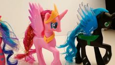My Little Pony Toys Princess Action Figure My Little Pony Videos, My Little Pony Cake, My Little Pony Princess, Unicorn Invitations, Wrens, Pony Drawing, Figure Size, Cute Toys, Rainbow Dash