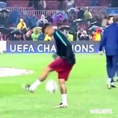 Simply Neymar 💙❤💙 . . . #barcelona #messi #neymar #rakitic #suarez #ronaldo #fcb #viscabarca #football #soccer #like4like #l4l #f4f #magic #newyork #catalonia #fcbarcelona #shoot #goals #goal #like #follow #lionelmessi