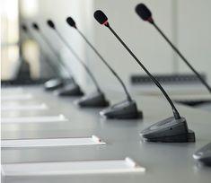 میکروفن در تجهیزات سالن کنفرانس | شرکت بازرگانی و خدماتی گلشین