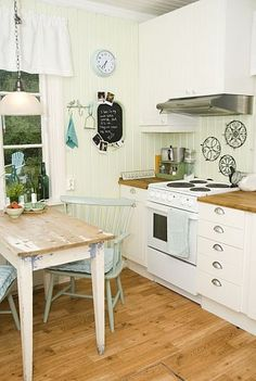 DIY:: Farm Country Kitchen Budget Makeover DIY Style !