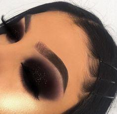 Learn about these eye makeup tools Advert# 7779 Glam Makeup, Black Eye Makeup, Makeup Eye Looks, Colorful Eye Makeup, Dark Makeup, Eye Makeup Tips, Makeup Goals, Makeup Inspo, Makeup Inspiration