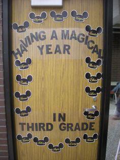 New classroom door decorations disney minnie mouse 55 ideas Mickey Mouse Classroom, Disney Classroom, Classroom Setting, Classroom Door, Classroom Design, Classroom Themes, Classroom Organization, Future Classroom, Mickey Y Minnie