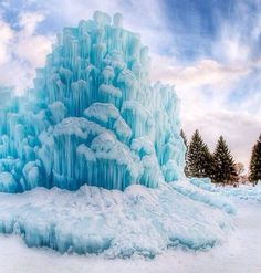 Ice castle, midway, Utah, USA! Beautiful.